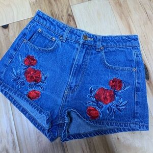 H&M Coachella denim shorts floral embroidery sz 6